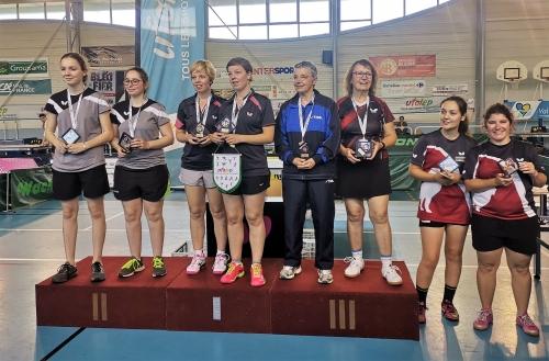 Nationaux A, podium coupes dames, SENS 2ème.